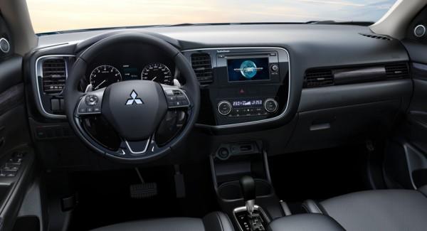 Mitsubishi Outlander 2017 chi tiết về nội thất