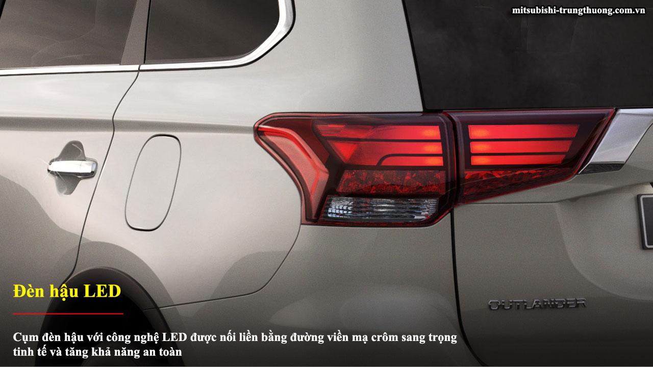 Mitsubishi Outlander 1 cầu 2.0 STD trang bị đền hậu LED