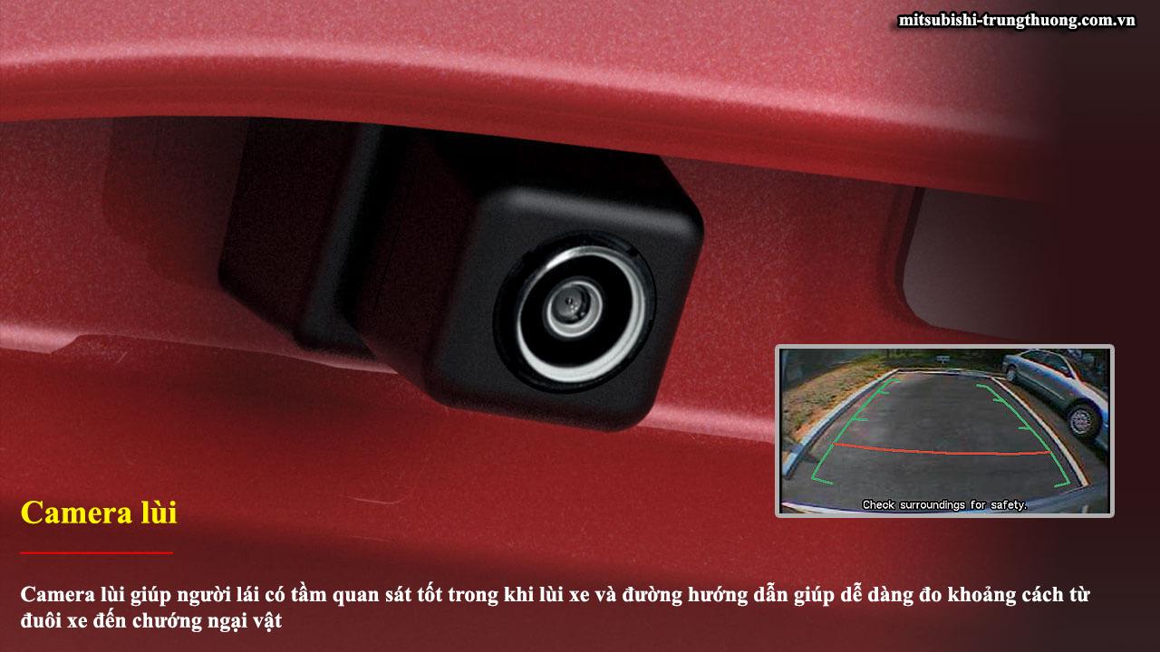 Mitsubishi Outlander 1 cầu 2.0 CVT trang bị cả camera lùi