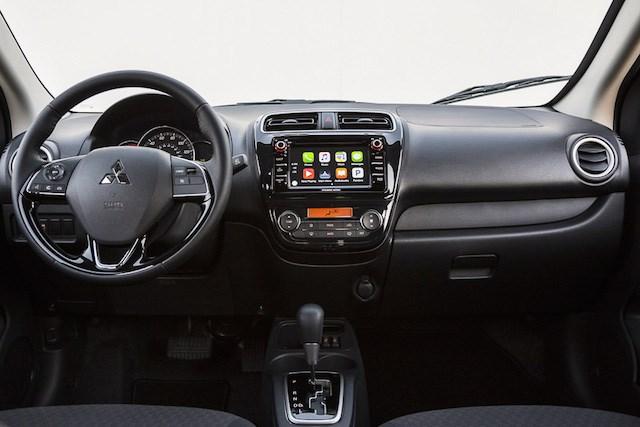 Mitsubishi Mirage số sàn 2017 nội thất mới mẻ