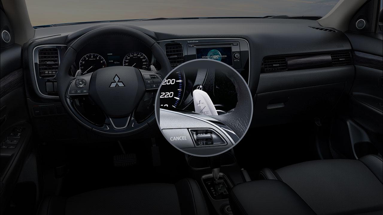 Mitsubishi outlander 2 cầu 7 chỗ 2.4 cvt tích hợp lẫy sang số trên vô lăng