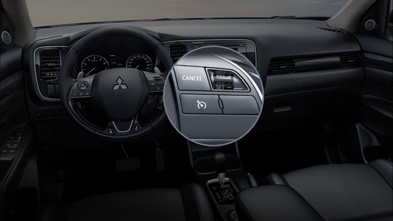 Mitsubishi outlander 2 cầu 7 chỗ 2.4 cvt trang bị hệ thống ga tự động (Cruise Control)