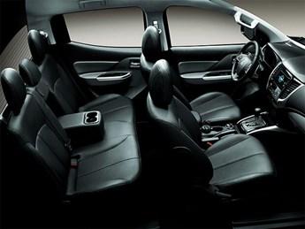 Mitsubishi triton số tự động 2 cầu 2017