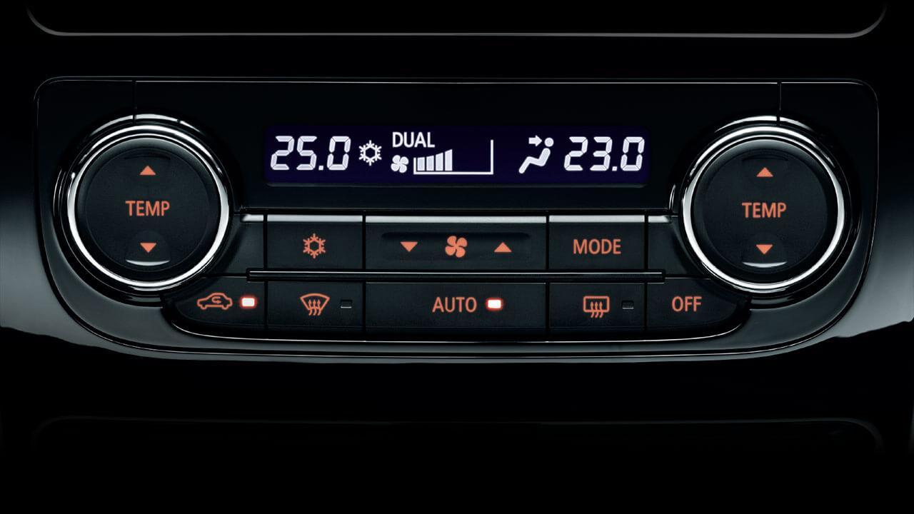 Mitsubishi triton số tự động 2 cầu cũng trang bị hệ thống điều hòa tự động 2 vùng