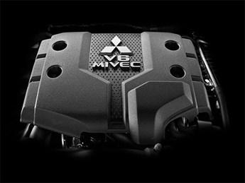 Mitsubishi Pajero Sport máy xăng được trang bị động cơ V6 MIVEC mạnh mẽ và tiết kiệm nhiên liệu