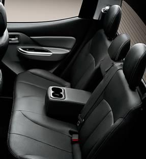 Mitsubishi Triton 2017 MIVEC 1 Cầu hàng ghế sau