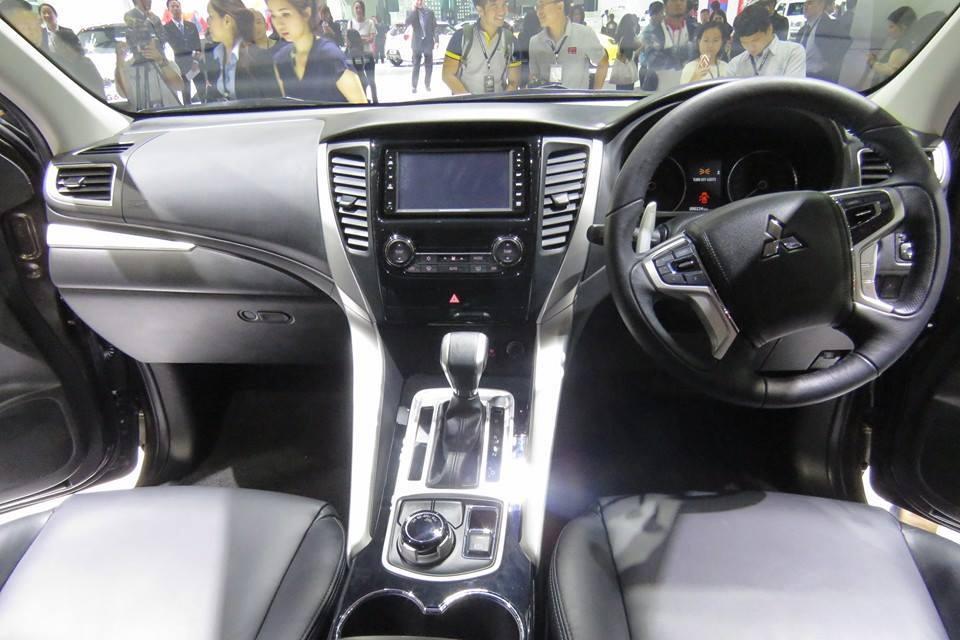 Mitsubishi Pajero Sport 2017 nội thất