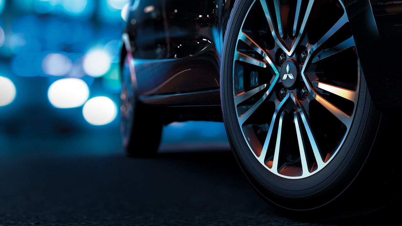 Mitsubishi mirage số tự động mâm bánh xe 2 màu sắc