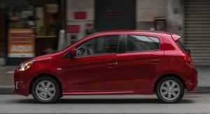 Mitsubishi Mirage số sàn màu đỏ