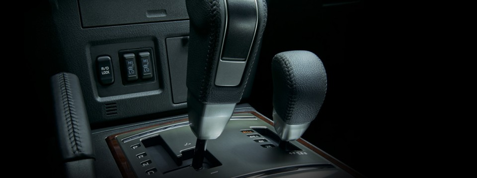 Mitsubishi Pajero 2016 (10)