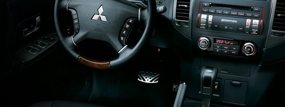 Mitsubishi Pajero 2016 (29)