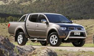 Mitsubishi-Triton-GLX-R-8651-1434252286_490x294