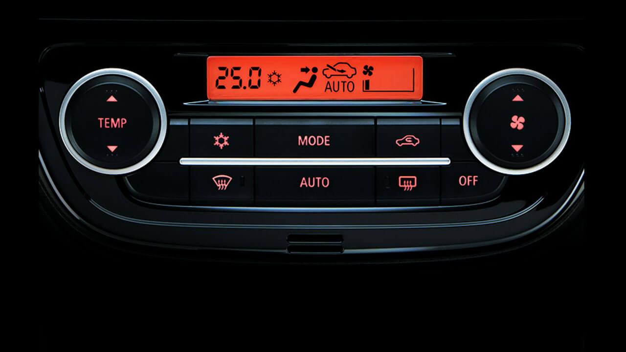 Mitsubishi Attrage 2017 điều hòa tự động 2 vùng