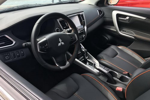 Nội thất Mitsubishi Lancer 2018