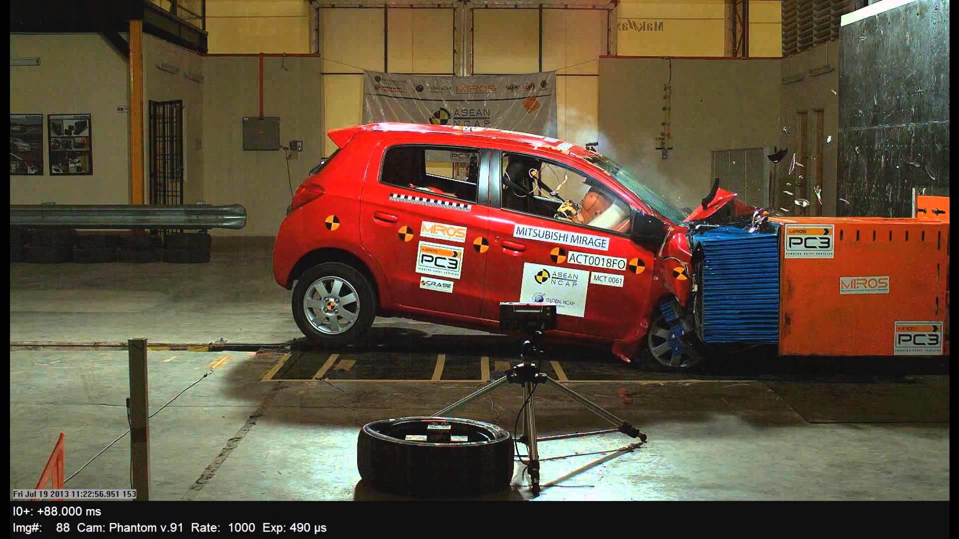 xe Mirage số tự động màu sắc trẻ trung