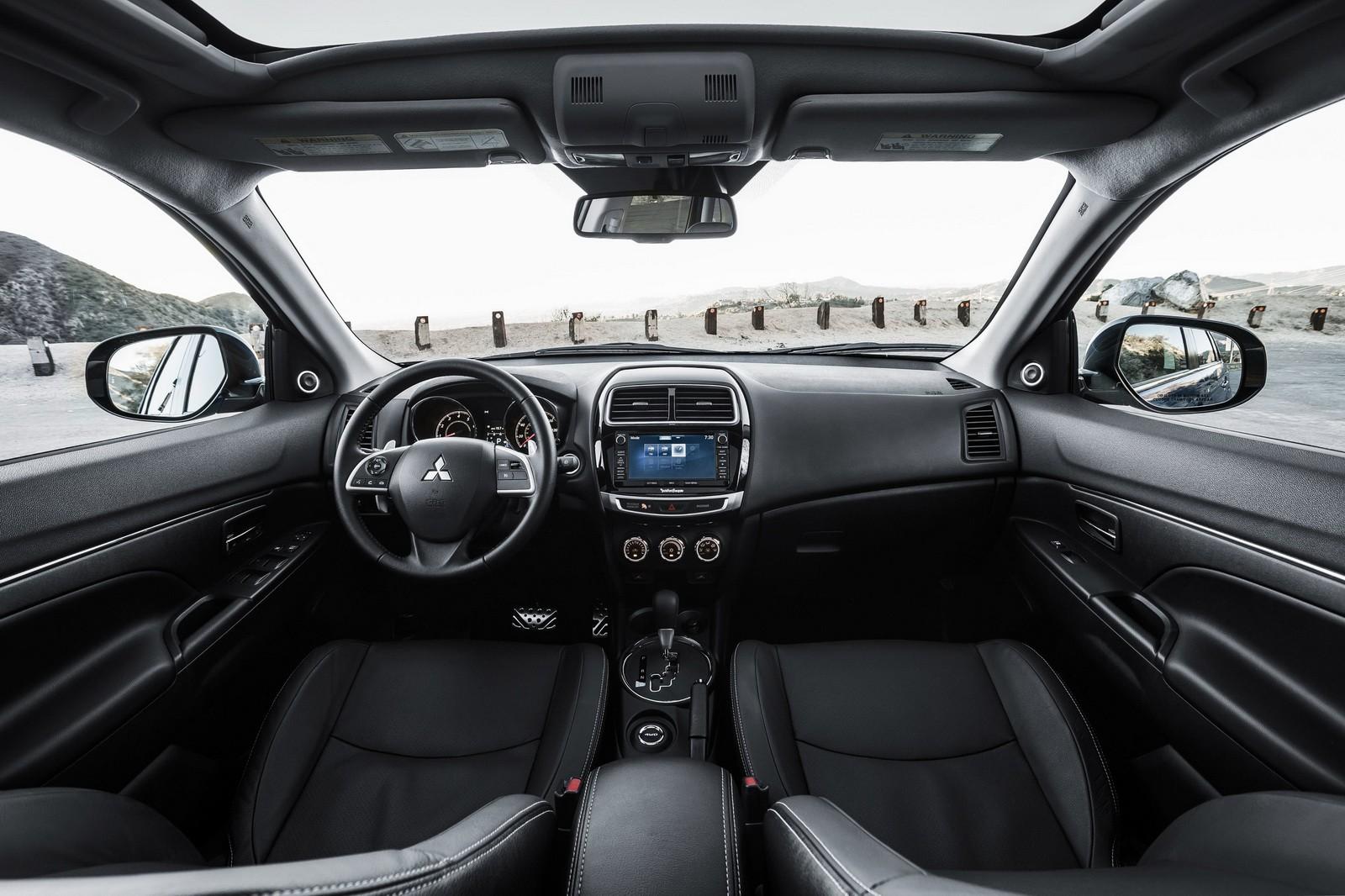 Mitsubishi Outlander Sport 2018 trang bị nội thất rộng rãi