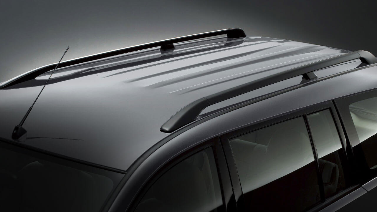 Mitsubishi Pajero Sport trang bị thanh baga mui