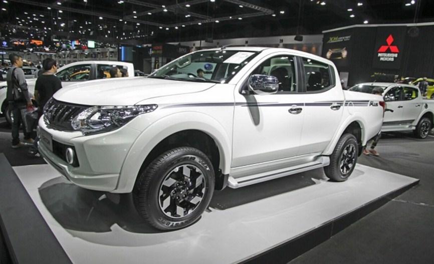 Mitsubishi Triton 2017 vô lăng cực kỳ linh hoạt