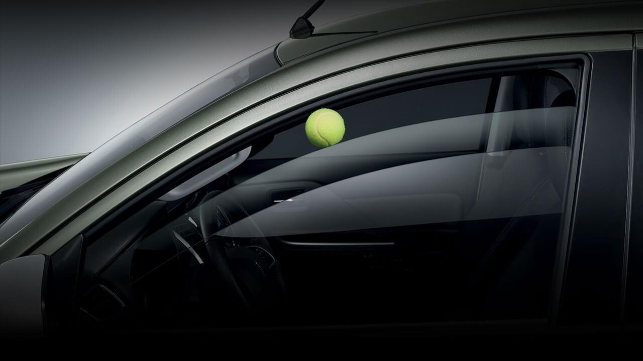 Mitsubishi Triton 2017 ghế trước ôm sát
