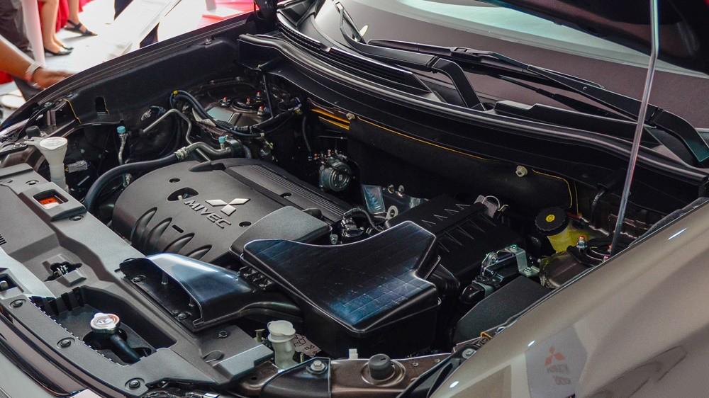 mitsubishi outlander 2018 trang bị động cơ MIVEC