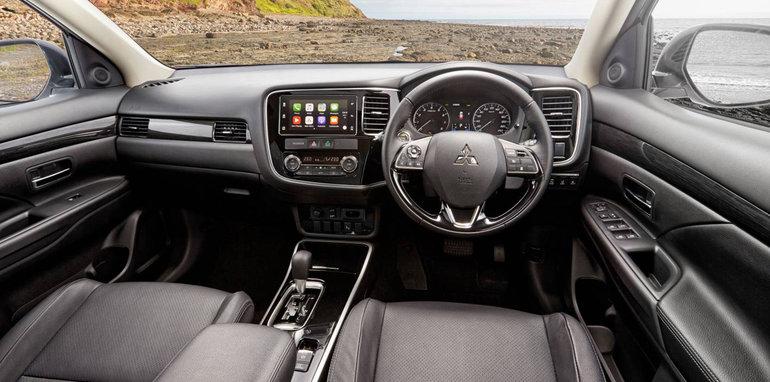 Mitsubishi Outlander 2017 vận hành mạnh mẽ