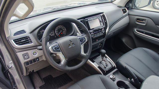 Mitsubishi Triton 2018  giá