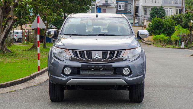 Mitsubishi Triton 2018  giá bao nhiêu