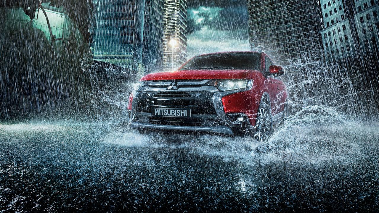 Mitsubishi outlander được nhập khẩu từ Nhật, với công nghệ an toàn bảo vệ cho người sử dụng trên xe.