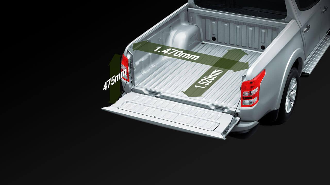 Mitsubishi triton số tự động 2 cầu với khoang trở hàng cực lớn hơn 35 %