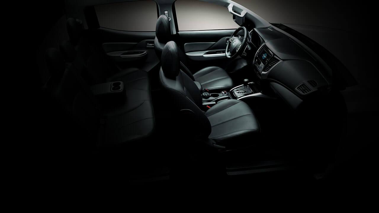 Mitsubishi triton số tự động 2 cầu ghế ngồi thoải mái hơn bao giờ hết