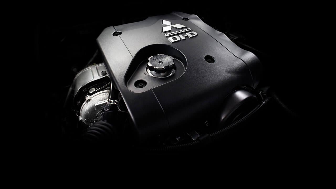 Mitsubishi triton số tự động 2 cầu trang bị động cơ High Power VGT-178PS