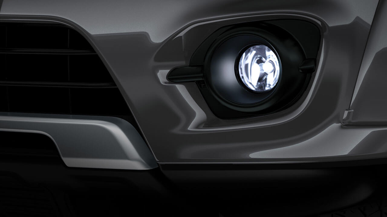 Xe Mitsubishi Pajero Sport máy xăng số tự động trang bị đèn sương mù thiết kế mới