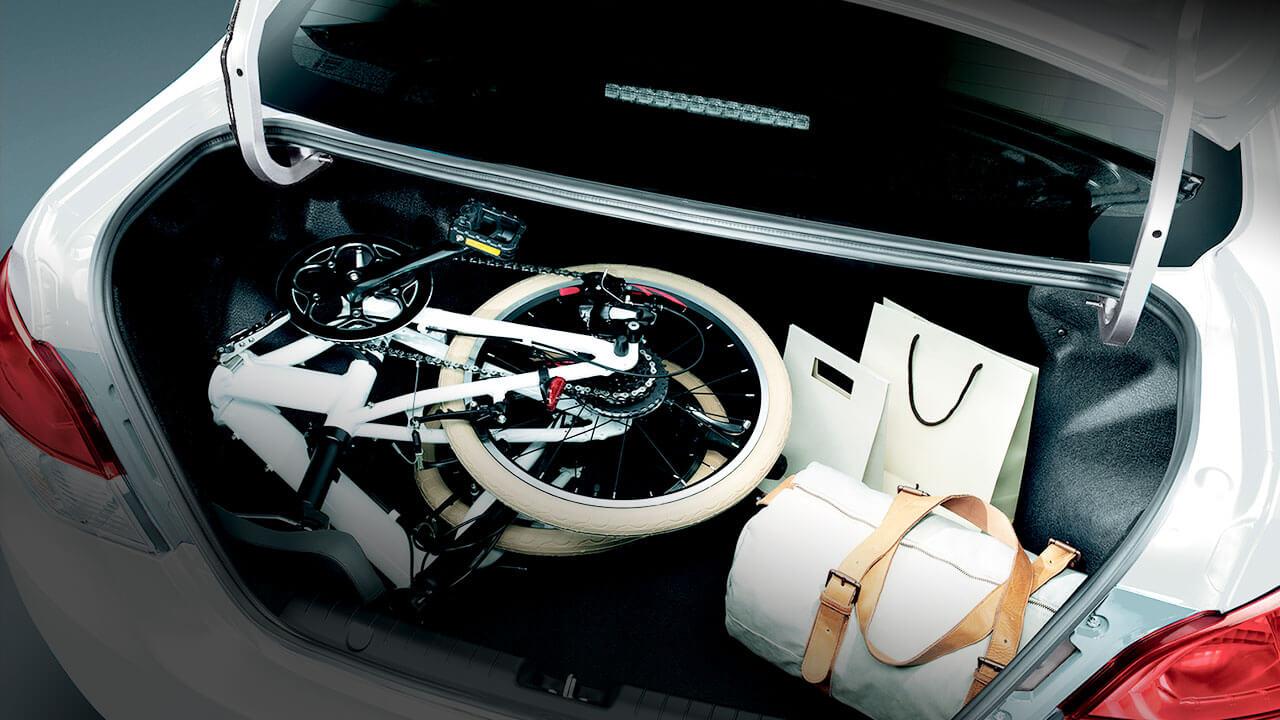 Mitsubishi Attrage 2017 khoang hành lý dung tích rộng
