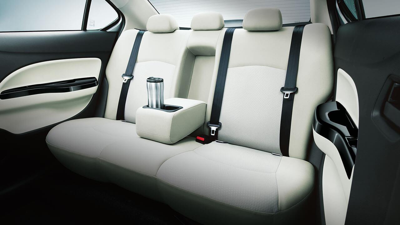 Mitsubishi Attrage 2017 có tựa tay hợp lý