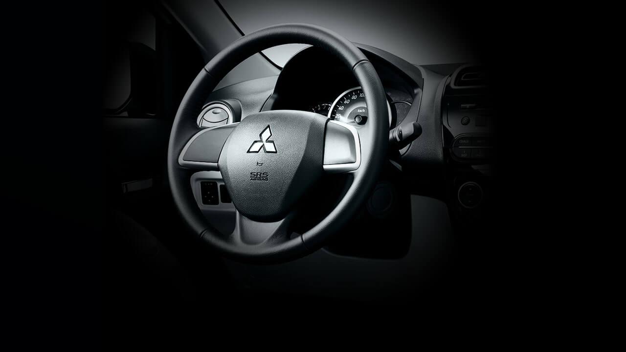 Mitsubishi Attrage 2017 trang bị vô lăng trợ lực điện