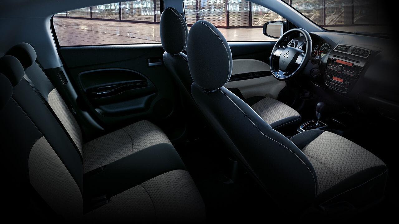 Mitsubishi Mirage 2017 nội thất rộng rãi