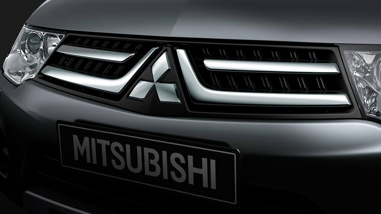 Mitsubishi Pajero Sport lưới tản nhiệt mạ crom