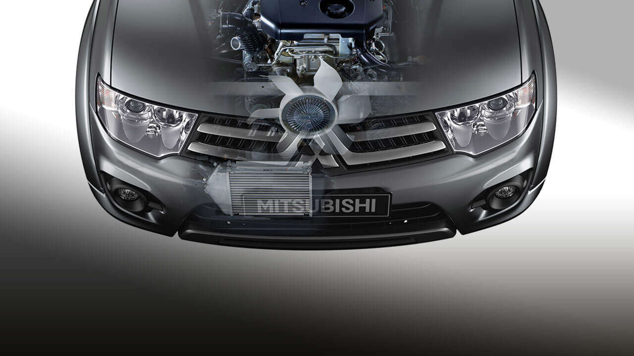 Mitsubishi Pajero Sport vận hành mạnh mẽ
