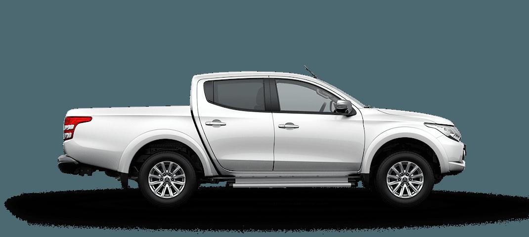 Mitsubishi triton màu trắng